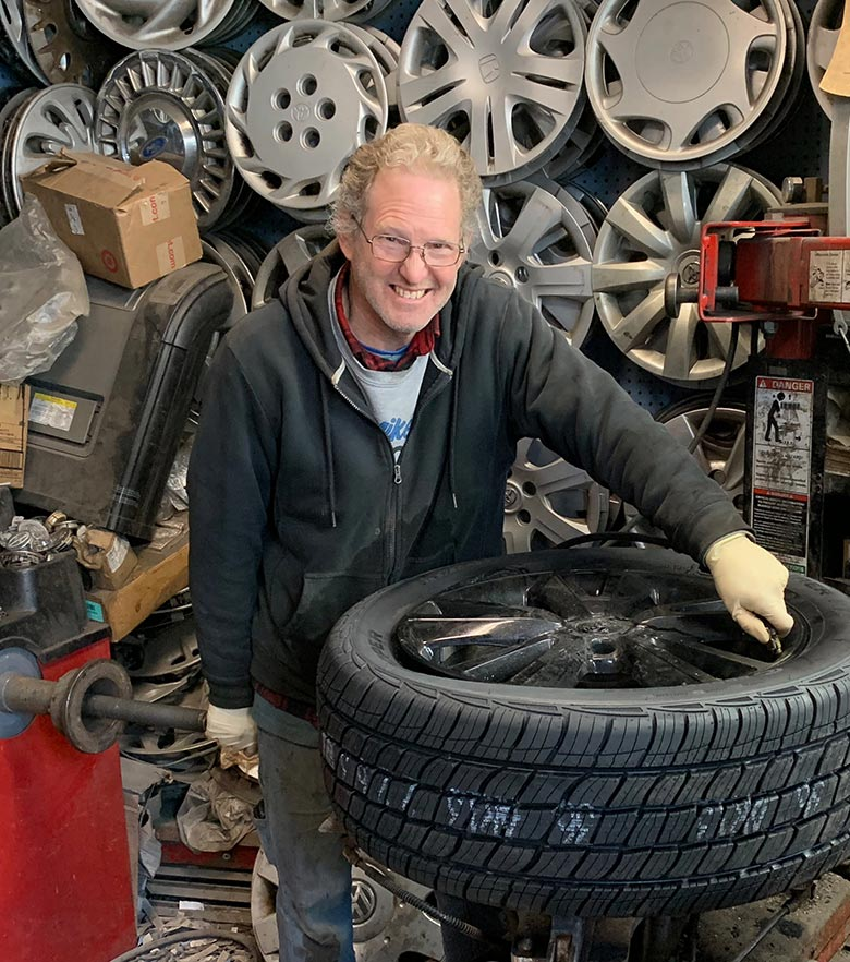 Mike's Hubcaps - Mike Feldman - Tire Repairs